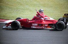 JJ Lehto on Emanuele Pirro's car (Canada 1991)