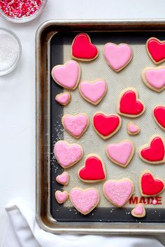 These Sugar Cookies have the best almond flavor and are super light thanks to using powdered sugar. link for lining & flooding w/ royal icing. Valentine Cookies, Valentines Day Treats, Holiday Treats, Galletas Cookies, Cupcake Cookies, Cupcakes, Almond Sugar Cookies, Sugar Cookies Recipe, Cookie Desserts