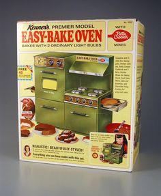 95e8bd8b4ec287a56c30e68ee36a5132--easy-bake-oven-retro-vintage.jpg