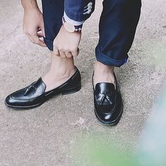"The Watch Co. & Essentials on Instagram: ""Love this shot by our good friend @swoonderland #swoonderland #thewatchco #danielwellington #dwindonesia"" Daniel Wellington Watch, Preppy Men, Loafers Men, Casual Outfits, Oxford Shoes, Dress Shoes, Stylish, Lady, Womens Fashion"
