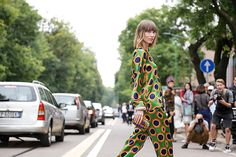 Trends: 1970s, Street Style // Spring fashion 2015: 186 photos of the top 10 trends of the season http://www.fashionmagazine.com/fashion/trends-fashion/2014/10/09/top-spring-2015-trends/