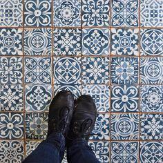 13x13 lucca tile reusable plastic
