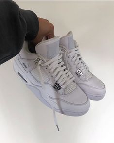 Cute Sneakers, Best Sneakers, Sneakers Fashion, Shoes Sneakers, Jordan Shoes Girls, Girls Shoes, Aesthetic Shoes, Dior Shoes, Hype Shoes
