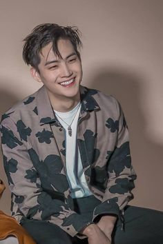 my love for him is literally out of this world Youngjae, Jaebum Got7, Kim Yugyeom, Jinyoung, Girls Girls Girls, Got7 Jb, Mark Jackson, Jackson Wang, K Pop