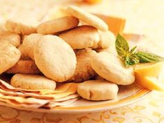 Receita de Bolachas de Manteiga com Limão   Doces Regionais