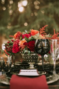 Take a minute to bask in this rich medieval wedding romance and all its smouldering passion. 🕸🌹|    #medievalwedding #gothicwedding #gothicbeauty #medievalbeauty #medieval #goth #softradiance #romance #yegweddingplanner #yeg #hitchedbyjoelleshoots #styledshoots