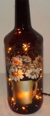 Unique Daisy Montage Accent Light/LampVery Nice by CanDezign, Painted Glass Bottles, Glass Bottle Crafts, Diy Bottle, Painted Wine Glasses, Decorated Bottles, Wine Bottle Glasses, Wine Bottle Corks, Jar Art, Wine Craft