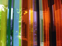 "Cruz-diez Transchromie: 2000 - 2007 Transchromie à l'exposition ""Carlos Cruz-Diez"" Sicardi Gallery, Houston, USA Op Art, Elements Of Color, Artistic Installation, Kinetic Art, Light Art, Contemporary Artists, Light Colors, Amazing Art, Art Gallery"