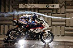 bmw motorbikes photo gallery - 1 Tuning ve Modifiye Bmw 1000rr, Motorbike Photos, Kawasaki Bikes, Bmw Sport, Wind Tunnel, Sportbikes, Biker Style, Photo Wallpaper, Amazing Cars
