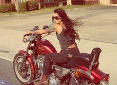 Harley Davidson News – Harley Davidson Bike Pics Biker Style, Motorcycle Style, Motorcycle Girls, Motorcycle Outfit, Lady Biker, Biker Girl, Ducati Monster, Bike Rally, Hot Rods