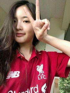 Liverpool Girls, Liverpool Kit, Liverpool Football Club, Soccer Fans, Football Fans, Liverpool Fc Wallpaper, Ao Dai, Adidas Jacket, Fangirl