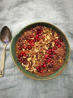 Chiagrød med kakao og banan er dejlig børnevenlig morgenmad. Den smager lækkert, har en skøn konsistens og giver en dejlig følelse i maven.