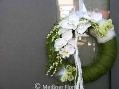 moderner Türkranz grün weiß mit Orchidee und Filz von Meißner Floristik auf DaWanda.com