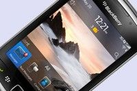 Samsung mocks BlackBerry in new Samsung Galaxy S3 ad Samsung has once again poked fun at its competitors in a new Samsung Galaxy S3 and Samsung Galaxy Note 2 ad, this time focusing its mocking on BlackBerry.
