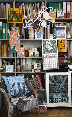 Why don't my messy bookshelves ever look this cool? << More like, why can't any of my clutter ever look appealing, haha ;)