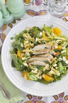 Copycat Panera Asian Sesame Chicken Salad (leave out cilantro! Main Dish Salads, Dinner Salads, Salad Dressing Recipes, Salad Recipes, Salad Dressings, Healthy Eating Recipes, Real Food Recipes, Sesame Chicken Salad Recipe, Suddenly Salad