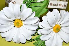 Заколка-брошь Ромашка из фоамирана мастер-класс и видео. Как сделать цветок из фоамирана. Броши из фоамирана заказать купить