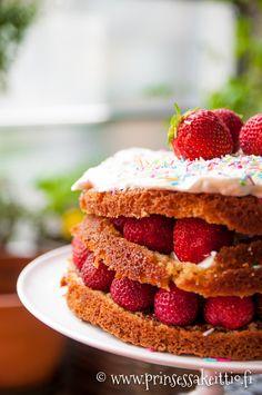Naked nutella strawberry cake - alaston nutella-mansikkakakku
