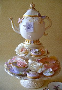 Teapot cake, cookies and sugarpaste tea cups