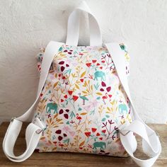 Discover recipes, home ideas, style inspiration and other ideas to try. Fashionable Diaper Bags, Baby Couture, Kawaii Clothes, Sewing For Kids, Messenger Bag, Sewing Projects, Satchel, Kate Spade, Backpacks