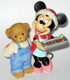 Minnie & Soren - Baking Up Holiday Magic With Friends