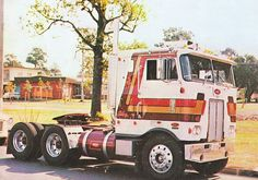 Peterbilt 352 | Peterbilt 352 - Bob Wright of Yass… - US Trailer will buy used trailers in any condition to or from you. Contact USTrailer and let us buy your trailer. Click to http://USTrailer.com or Call 816-795-8484