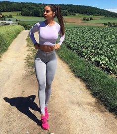 Skinny bigtits and female bodybuilders
