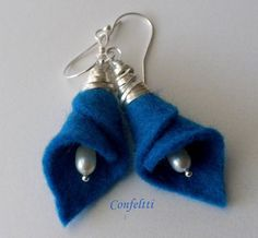 Textile Jewelry, Fabric Jewelry, Seed Bead Crafts, Felt Necklace, Fabric Beads, Diy Earrings, Flower Earrings, Homemade Jewelry, Bijoux Diy