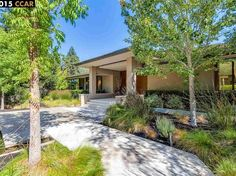 View 29 photos of this $5,599,000, 7 bed, 10.0 bath, 8986 sqft single family home located at 5 Burton Vista Ct, Lafayette, CA 94549 built in 2004. MLS # 40716502.