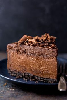 OMG this Chocolate Cheesecake is the best thing Ive ever baked! Rich creamy and outrageously delicious. Freezer friendly too! The post Ultimate Chocolate Cheesecake appeared first on Orchid Dessert. Best Chocolate Cheesecake, Chocolate Desserts, Chocolate Cake, Decadent Chocolate, Cheesecake Cake, Flourless Chocolate, Delicious Chocolate, Chocolate Lovers, Chocolate Chips
