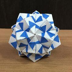 いいね!13件、コメント1件 ― OrigamiMathThailandさん(@narong_pbru)のInstagramアカウント: 「My Sonobe variation designed. #origami #origamiart #origamiunit #origamiball #origamimodular…」