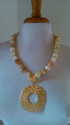 Pearl Jewelry, Wire Jewelry, Jewelry Crafts, Beaded Jewelry, Jewelry Necklaces, Short Necklace, Diy Necklace, Gemstone Necklace, Necklace Designs