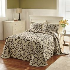 Ginnys Brand Jasmine Chenille Bedspread and Sham from Seventh Avenue ®