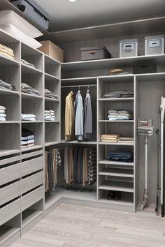 Wardrobe Room, Wardrobe Design Bedroom, Master Bedroom Closet, Dressing Room Closet, Dressing Room Design, Walk In Closet Design, Closet Designs, Closet Renovation, Closet Layout