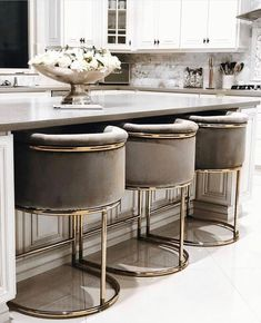 Looking for dream kitchen inspiration? Be tempted by these stunning nature inspired luxurious kitchens by top interior designers! Home Decor Kitchen, Interior Design Kitchen, New Kitchen, Home Kitchens, Kitchen Ideas, Kitchen Grey, Room Kitchen, Kitchen Modern, Grey Interior Design