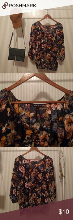 Floral blouse Super cute floral blouse! Perfect for work or a night out. 3/4 sleeves with elastic openings. Elastic waistband. 100% polyester. In excellent condition, runs true to size! sami & jo Tops Blouses