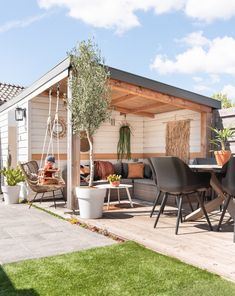Dream Garden, Home And Garden, Outdoor Pool, Outdoor Decor, Outdoor Ideas, Chinese Garden, Beach Gardens, Backyard Pergola, Eclectic Design