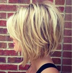 26 Best Women Hairstyle With Short Stacked Bob - Page 16 of 26 26 Meilleures coiffures pour femmes a Medium Hair Styles, Curly Hair Styles, Women Hair Styles, Growing Out Short Hair Styles, Choppy Bob Hairstyles, Teenage Hairstyles, Hairstyle Short, Short Stacked Hairstyles, Inverted Bob Haircuts