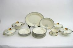 A quantity of Art Deco Burleigh 'Moonbeams' pattern dinnerware including three tureens, some damage. Stacey's Auctioneers. Dec 2016. Est GBP80-120. Sold GBP60.