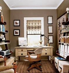 love this home office, great shelves, window covering, rug and wall color. love it all!