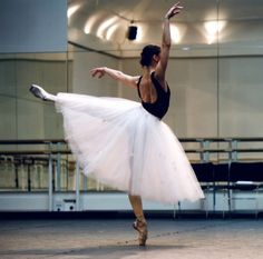 The Romantic tutu was made of tulle and came to mid-calf, and it enforced the theme of the supernatural Ballet Poses, Ballet Dancers, The Royal Ballet, Pretty Ballerinas, Dance Movement, Dance Pictures, Dance Images, Dance Photos, Astronomy