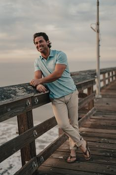 Your comfortable, everyday polo in our signature fabric: Puremeso. We re-engineered Puremeso for hot weather so it's the lightest weight yet breatheable shirt with the right amount of stretch that delivers every time. Guy Poses, Male Poses, Beach Photography Poses, Headshot Photography, Abercrombie Men, Barefoot Men, Polo Blue, Outdoor Men, Mens Flip Flops