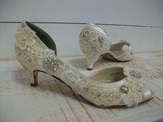 Vintage Shoes: Antique Lace, Pearls, Kitten Heels, Ivory Swarovski Crystal !!