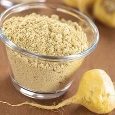 """Maca root powder is considered one of the world's natural """"superfoods."""" Maca root benefits hormone balance, energy, mood, the immune system and more. Nutrition Holistique, Holistic Nutrition, Health And Wellness, Nutrition Activities, Women's Health, Combattre Le Stress, Maca Root Powder, Strawberry Nutrition Facts, Herbal Cure"""