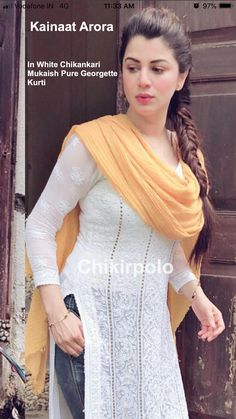 Pakistani Dresses Casual, Indian Gowns Dresses, Pakistani Dress Design, New Designer Dresses, Indian Designer Suits, Simple Kurti Designs, Kurta Designs Women, Green Formal Dresses, Bollywood Outfits
