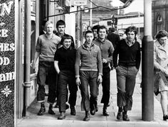 Looking sharp. A cocktail of working class fashion Sub-skinhead Docs and crops mixed with flares and knitwear. I think it must be Albert Road. Love the smirk on the lad with the pudding bowl Dave Hill fringe. Mode Skinhead, Skinhead Boots, Skinhead Fashion, Skin Head, Rude Boy, Punk, Middlesbrough, Northern Soul, Youth Culture