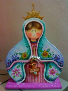 Virgencita country realizada en mdf. Técnica realizada con lápices acuarelables.
