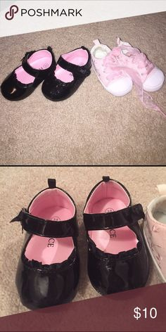 Bundle of infant girls 3-6 months shoes A few skuffs on the black patent leather, the Place. Pink never worn, no brand Shoes Baby & Walker