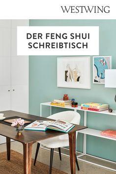 Mit Arbeit verbringen wir jede Menge Zeit. Träumst du davon, an einem aufgeräumten Schreibtisch effektiv und in aller Ruhe arbeiten zu können? Unser Tipp: Feng-Shui. Lass positive Energien zirkulieren — für Balance und Wohlbefinden! Feng Shui ist eine alte chinesische Lebensweisheit, laut welcher das Chi, eine lebenswichtige Energie, uns umgibt. Plane deinen Arbeitsplatz mit Feng Shui./Westwing Schreibtisch Arbeitszimmer nach feng shui einrichten Ideen Home Office Büro Ausrichtung Tipps 2021 Home Office, Office Desk, Gallery Wall, Cabinet, Storage, Design, Furniture, Home Decor, Home Decoration