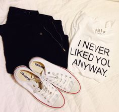 Need this tshirt Funny Outfits, Cool Outfits, Summer Outfits, Fashion Outfits, Flowy Shirts, Tee Shirts, Off Shoulder Shirt, Outfits With Converse, Statement Tees